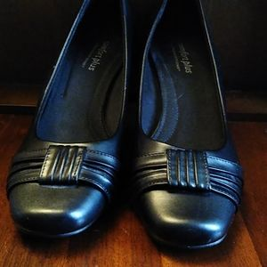 Black heels good condition see pictures
